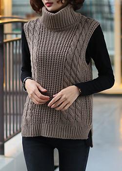 480250 - Caroline Paula Knit Vest
