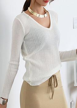 """486350 - <font color=""""878787""""><font face=""""굴림"""">Soul-free V-neck knit</font></font>"""