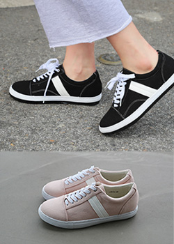 "486612 - <font color=""878787""><font face=""굴림"">Flags Sneakers</font></font>"