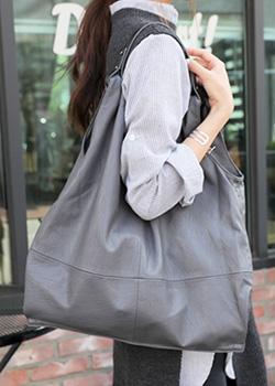 488342 - Crisian Shoulder Bag