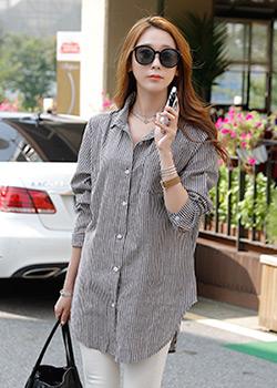 488647 - Striped shirt