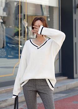 488697 - V-neck knit