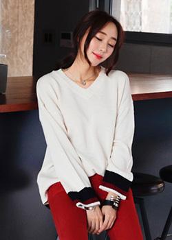 488837 - Delhi V-neck knit